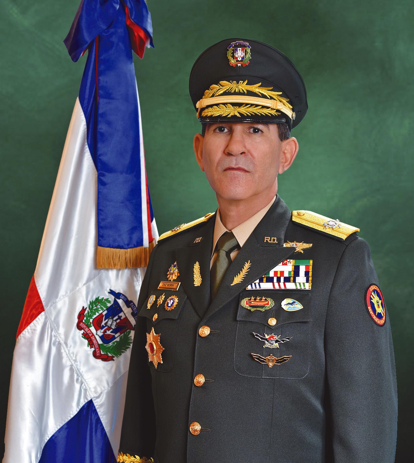 Ministro-de-Defensa-Tte-General-Diaz-Morfa